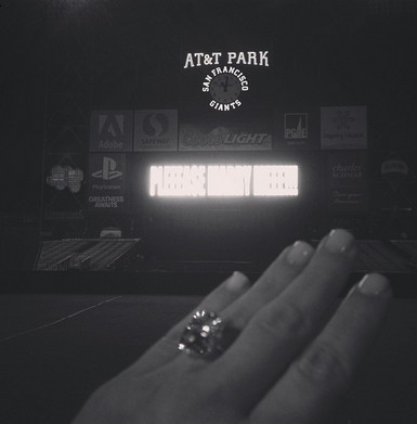 ♥ Kim Kardashian got engaged, the most romantic proposal ever by Kanye!