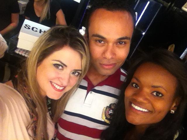 Com os divohhhs Ismael e sua amiga